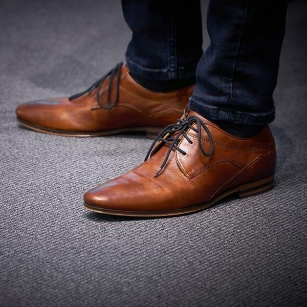 costume-homme-accessoires-chaussures-derby-cognac