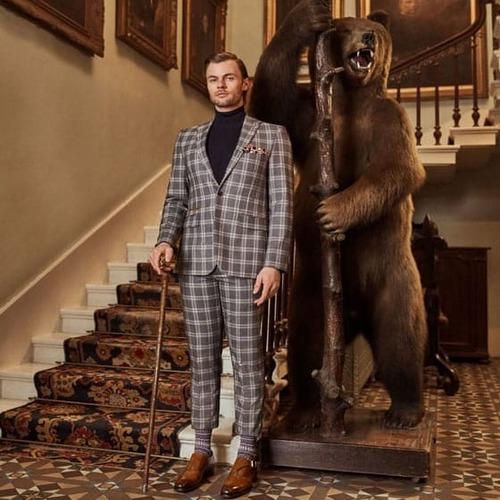 costume-homme-chaussettes-burlington-assorties-costume