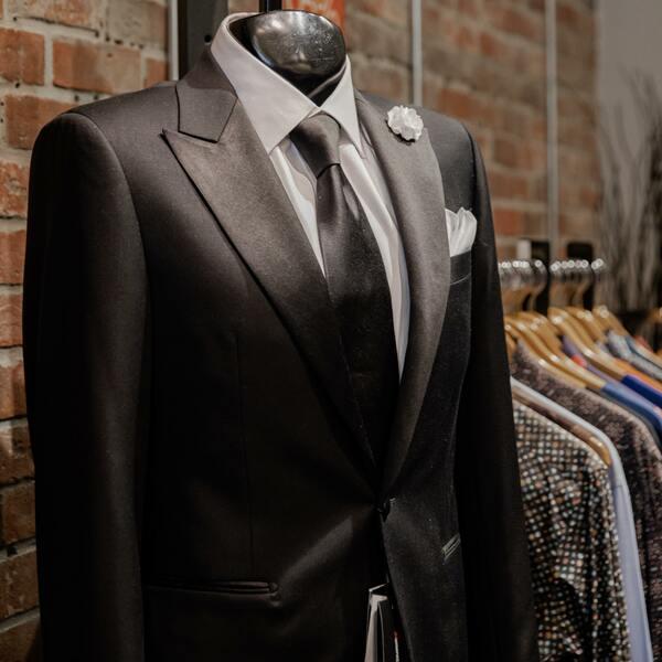 costume-homme-sur-mesure-costume-unique-personnalise